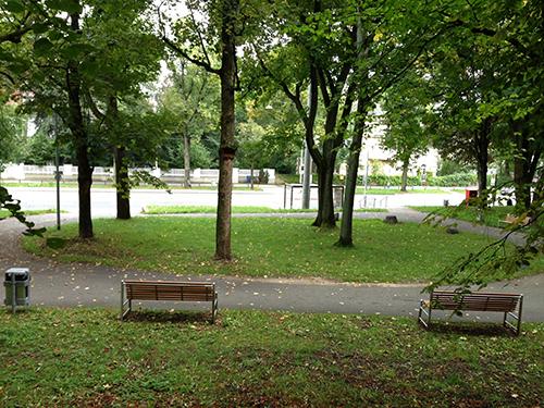 Der idyllische Platz ohne Händler