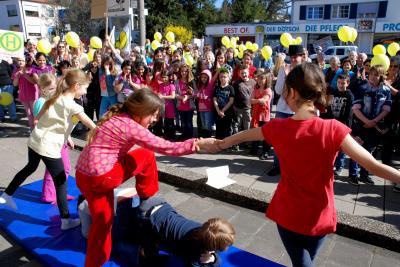 Kleine Akrobaten der Rudolf-Steiner-Schule